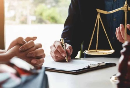 How beneficial is the Santander Lawyers in giving legal advice?